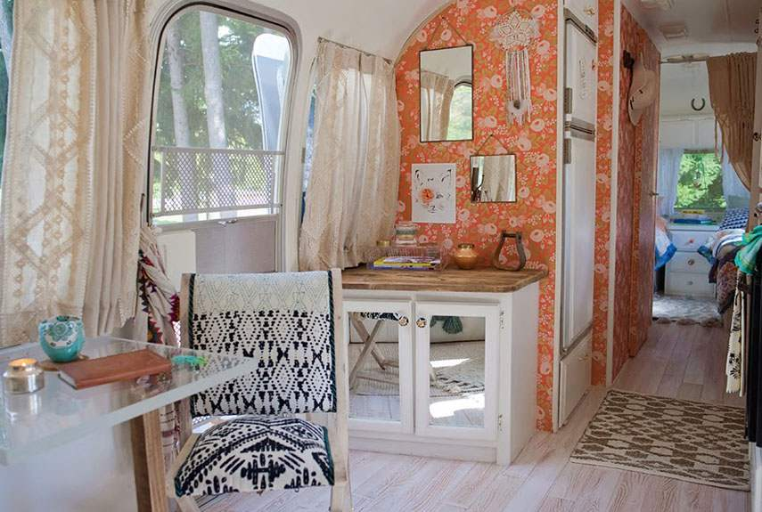 11 Airstream interior decor d