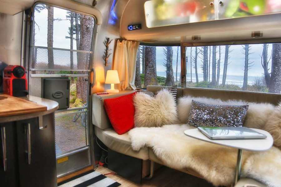 48 Awesome Airstream Interiors You Have To See Mobile Home Living Best Airstream Interior Design