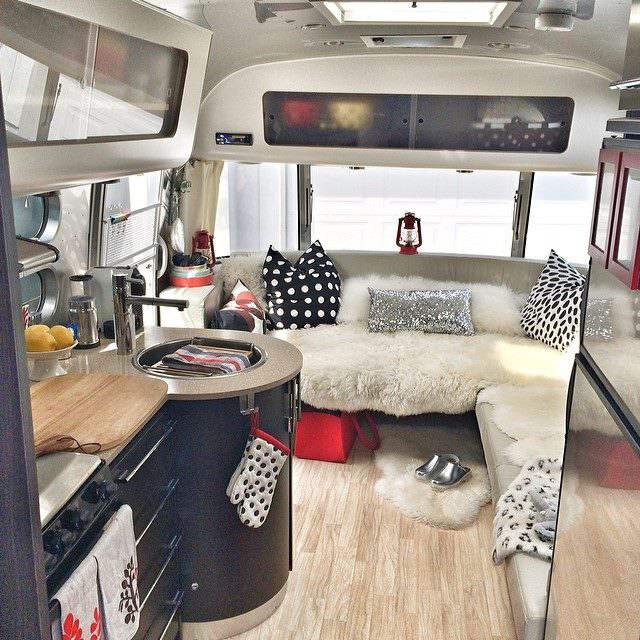 48 Awesome Airstream Interiors You Have To See Mobile Home Living Mesmerizing Airstream Interior Design