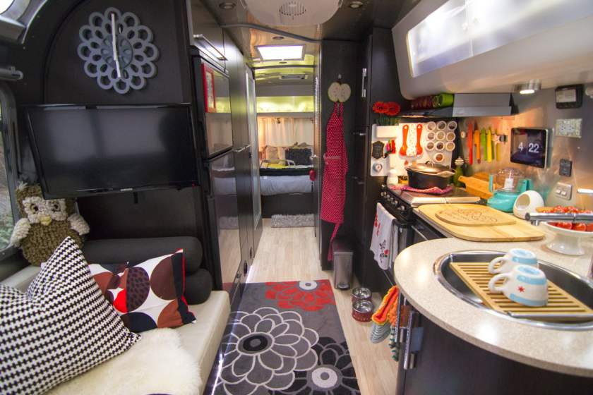 48 Awesome Airstream Interiors You Have To See Mobile Home Living Adorable Airstream Interior Design Painting