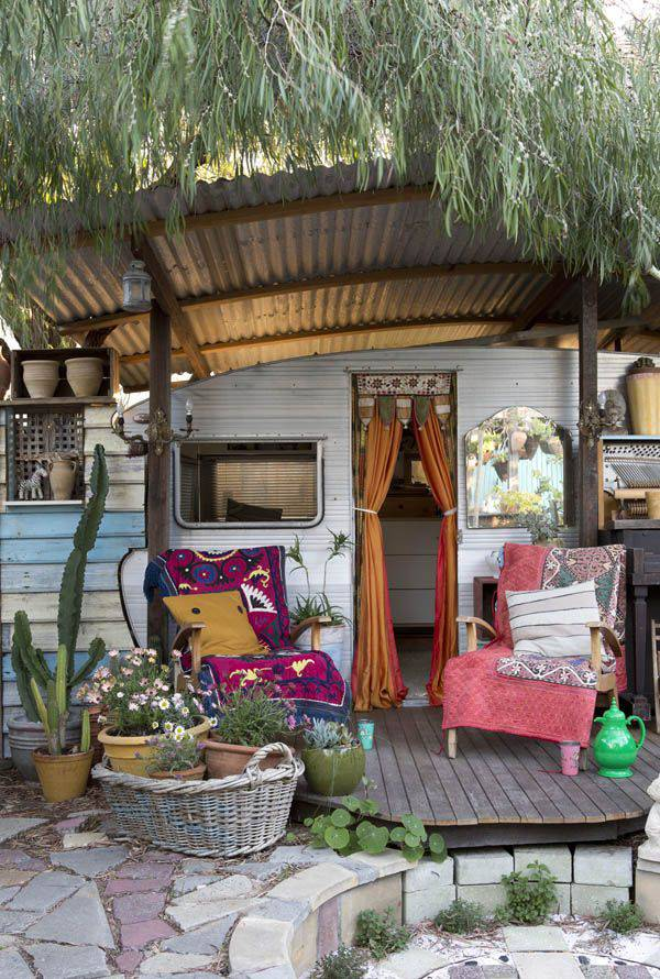 19 trailer porch idea