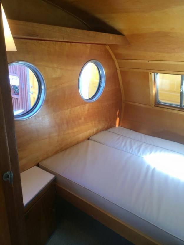 1953 Airfloat Navigator - Vintage Campers (4)