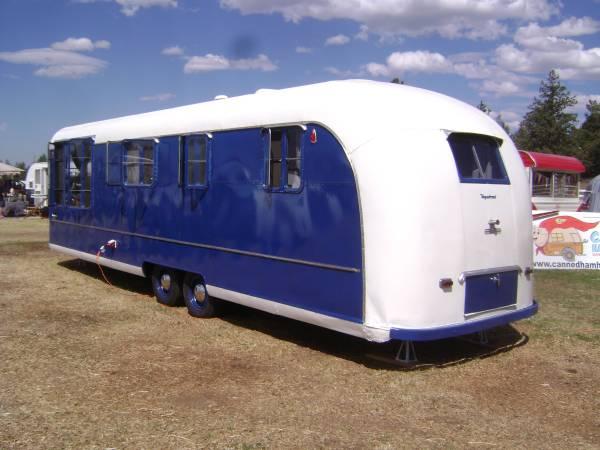 1953 Vagabond Model 31 Exterior 3