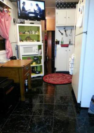 1954 Pacemaker Tri-level Mobile Home Remodel - after new flooring in kitchen