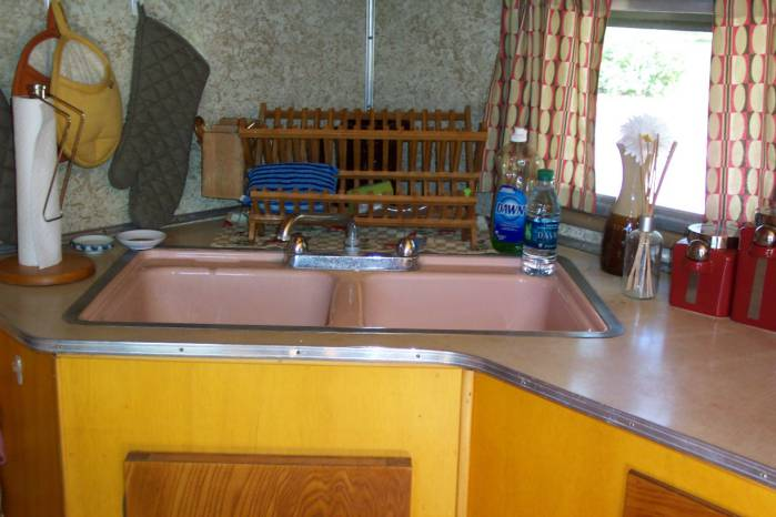 1957 casa manana mobile home- original pink porcelin sink