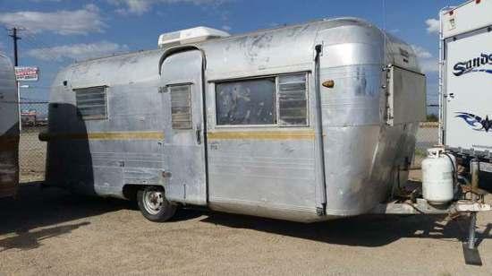 Vintage camper restoration - 1962 streamline dutchess - exterior before