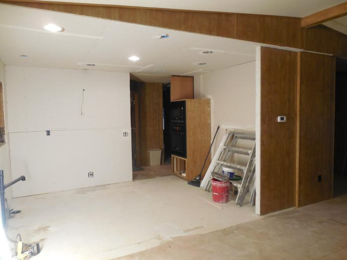 1979 Mobile Home Interior Makeover - Kitchen During Remodel Project - Sheetrock