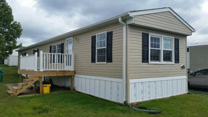 Manufactured home before and after makeover photos for Remodeling old homes