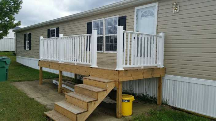 1984 Conner single wide mobile remodeled - front view of home - should you buy an older mobile home and remodel it