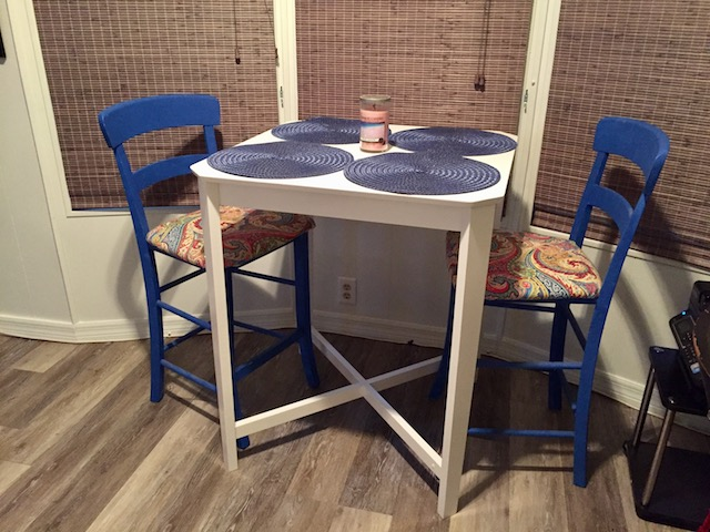 1986 Palm Harbor Single Wide Makeover - dining area