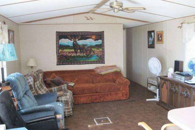 1989 single wide manufactured home before remodel and update - how one family weathered the housing collapse_
