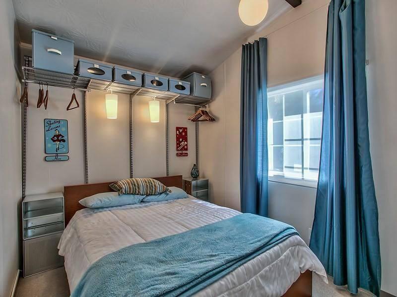 Modern Mobile Home Decor: 2 bedroom 2 bath mobile home for sale in Truckee, CA - Interior - Bathroom 2