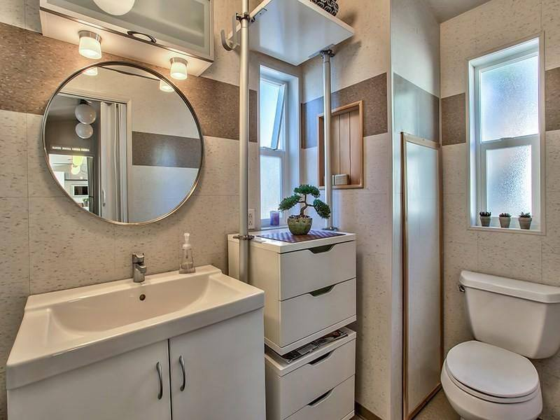 Modern Mobile Home Decor: 2 bedroom 2 bath mobile home for sale in Truckee, CA - Interior - Bedroom 2