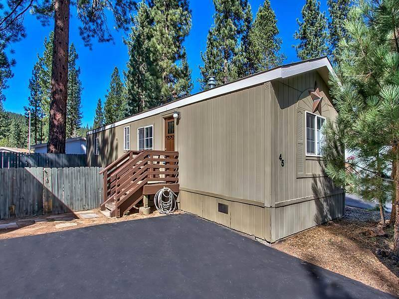 Modern Mobile Home Decor: 2 bedroom 2 bath mobile home for sale in Truckee, CA - exterior view