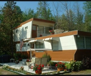 2 story mobile home - movie set
