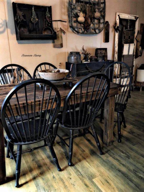 primitive decor in a mobile home -dining room table
