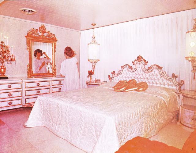 Dubl-wide Roadliner brochure - bedroom - Expandable Mobile Homes