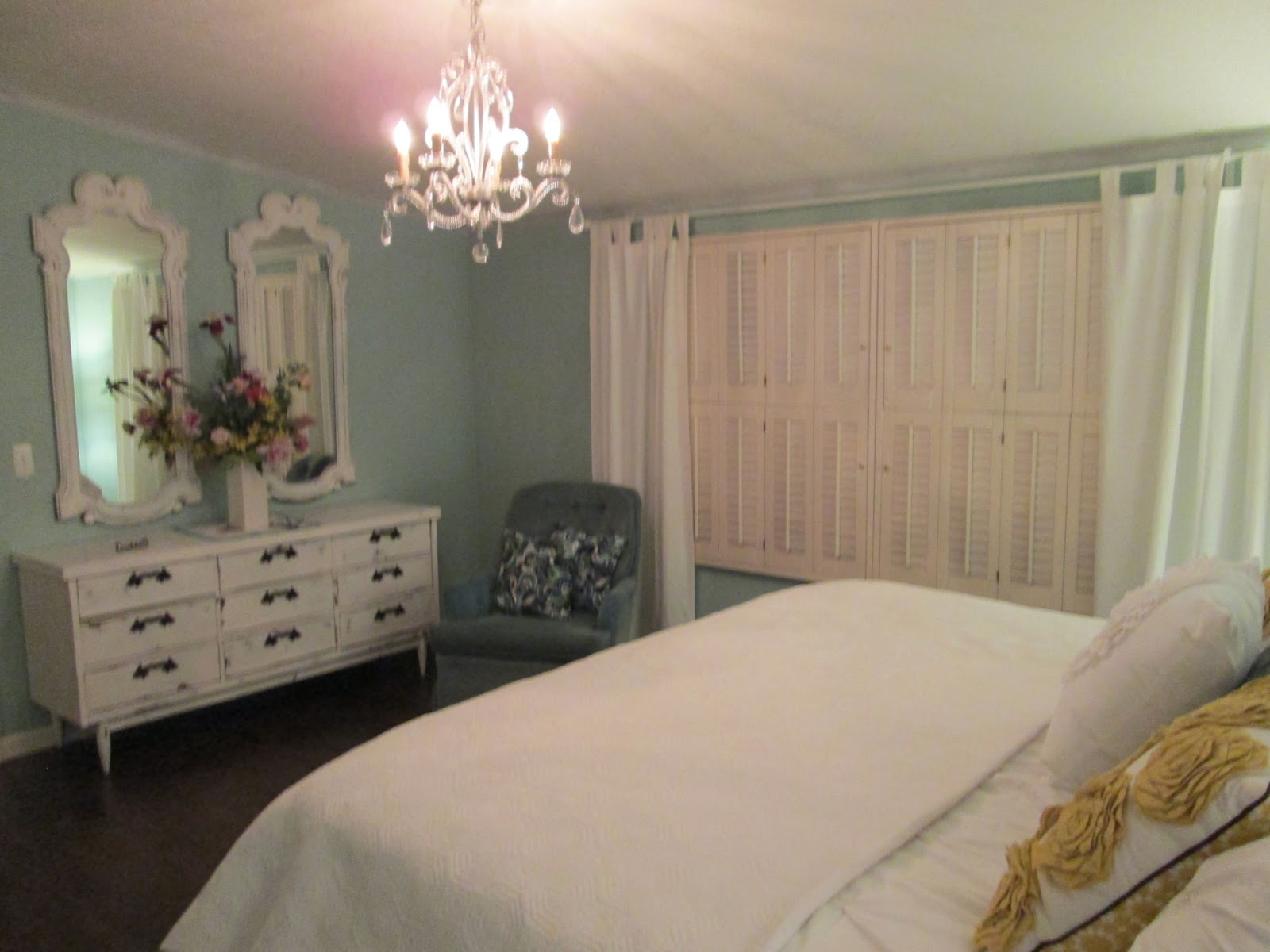 Master bedroom after 21 mobile and manufactured home living - Trailer bedroom ideas ...