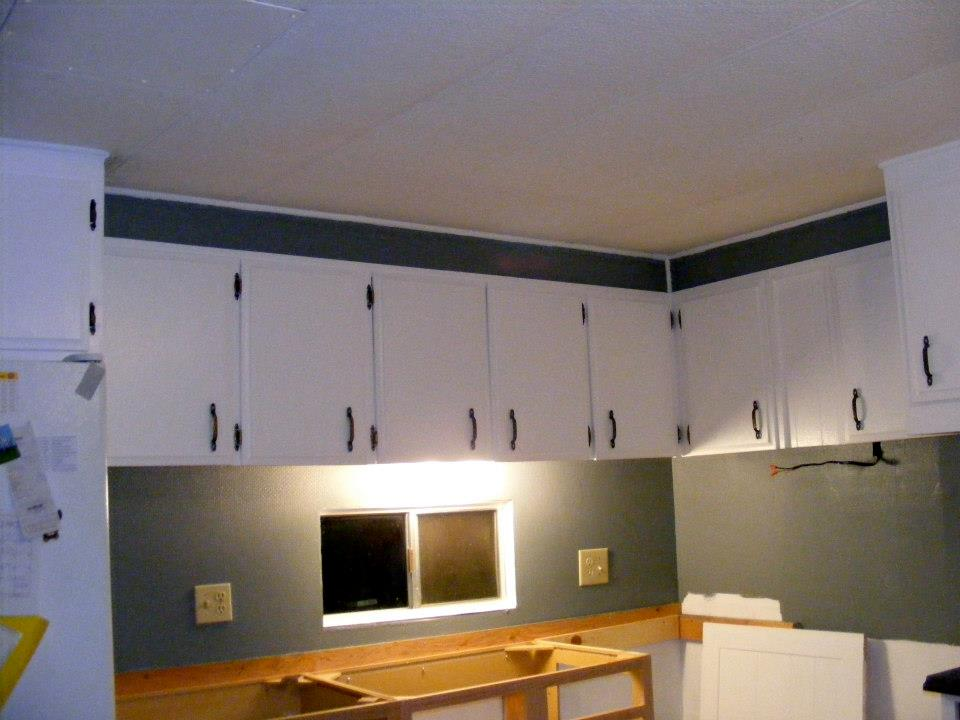 Single wide kitchen remodel 40 mobile home living for Double wide kitchen remodel
