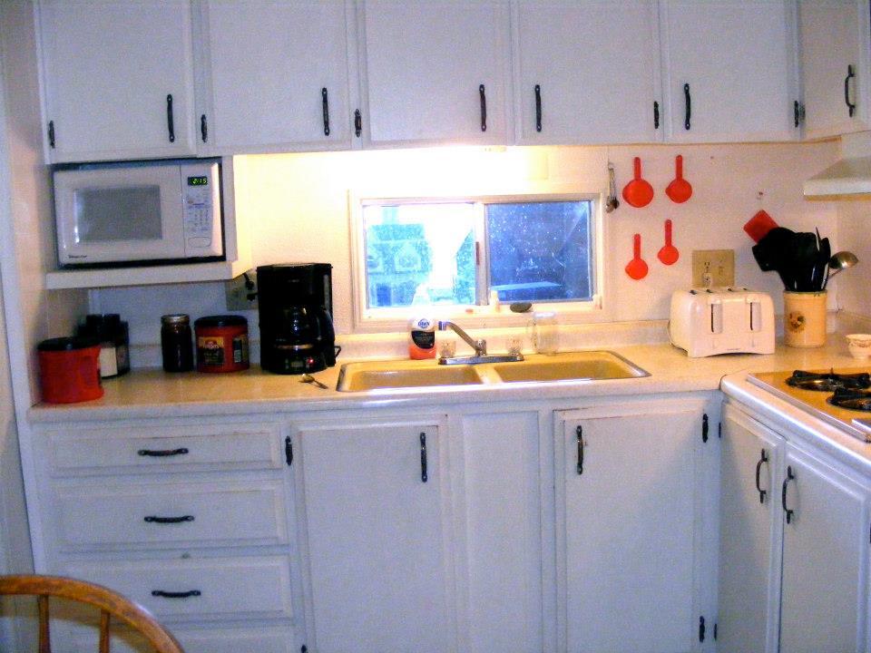 Single wide kitchen remodel 6 mobile home living for Double wide kitchen remodel