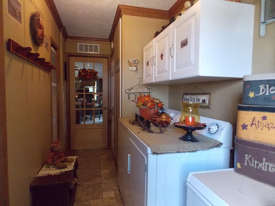 Manufactured Home Decorating   Laundry Room