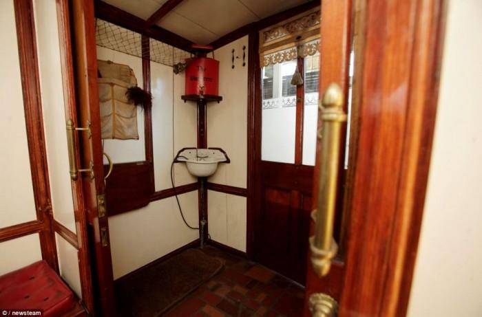 Washroom of the wanderer, the worlds oldest mobile home; vintage mobile home restoration
