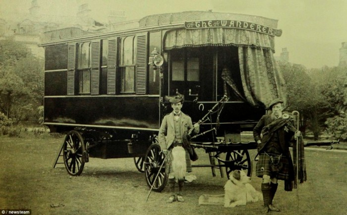 worlds oldest mobile home owned by Dr Stables vintage mobile home restoration