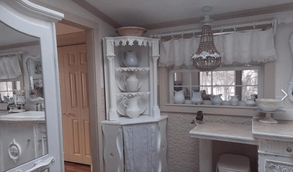 White kitchen primitive richie maureen wright fbg2