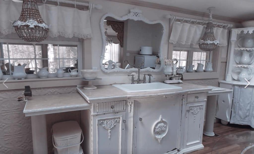 White kitchen primitive richie maureen wright fbg4
