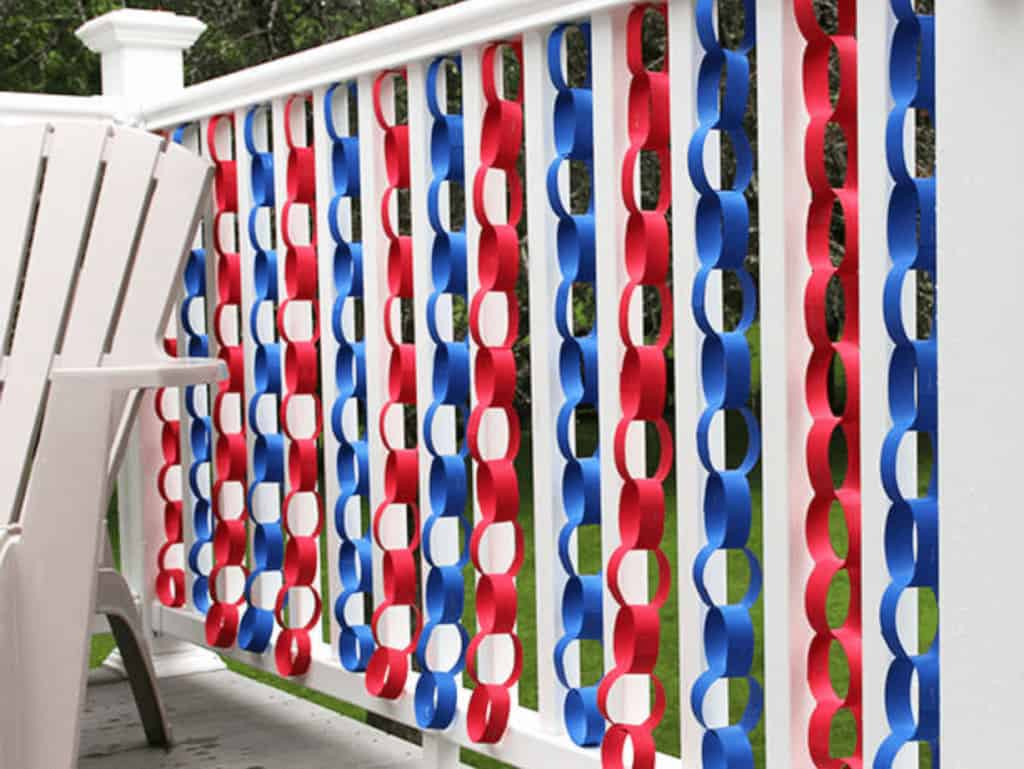 Patriotic decor ideas for your home - paper chain