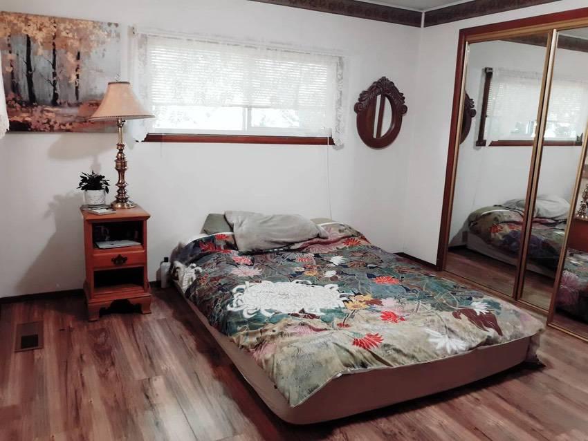 14x 70 mobile home 2 bd 1 bath in spokane 49k bedroom