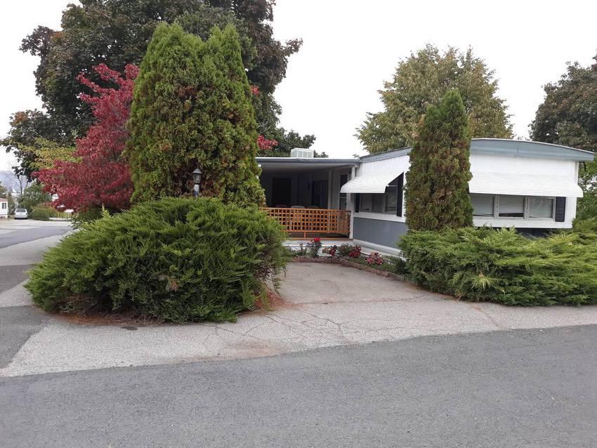 14x 70 mobile home 2 bd 1 bath in spokane 49k exterior 2