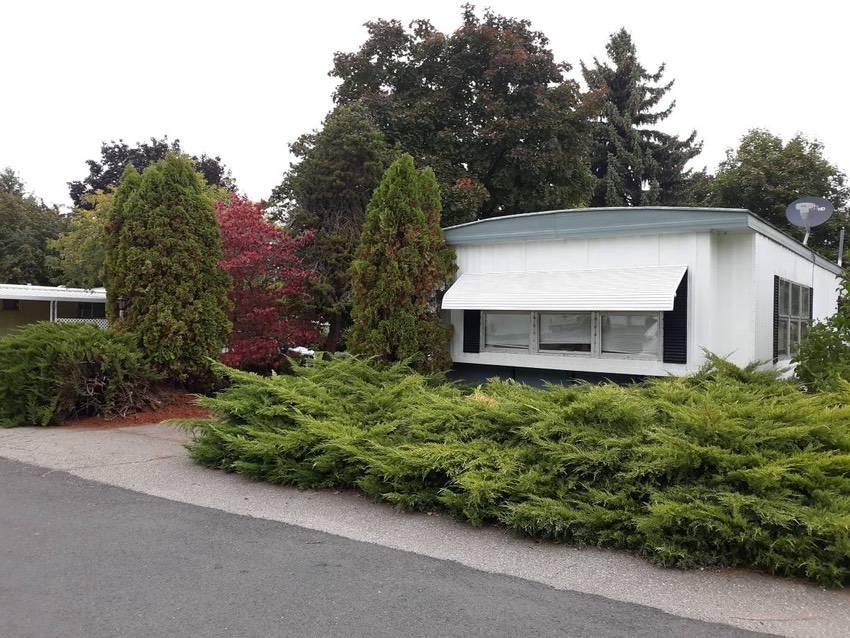 14x 70 mobile home 2 bd 1 bath in spokane 49k exterior 4