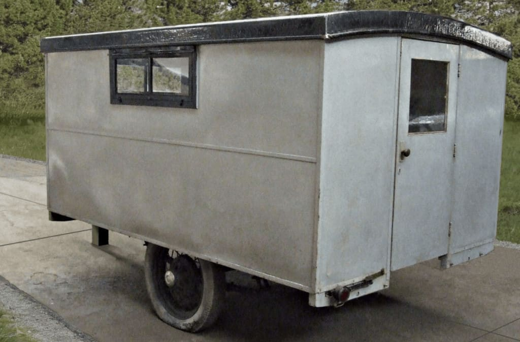 1929-covered-wagon-camper