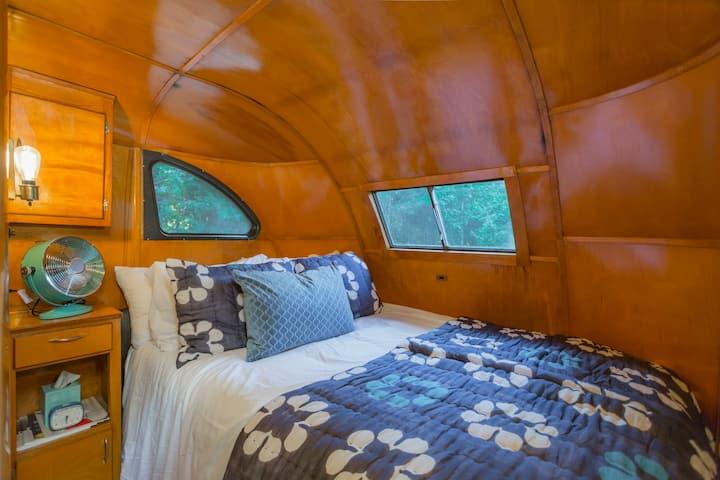 1949 spartan bedroom