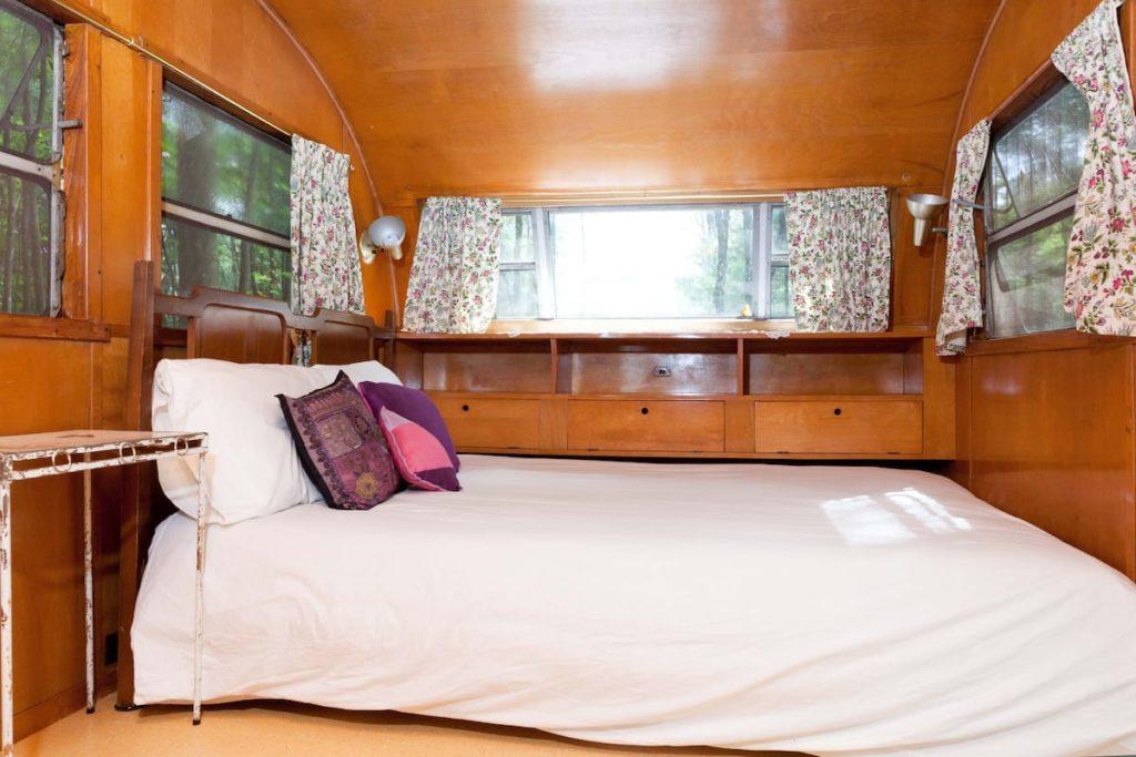 1953 spartanette full bed