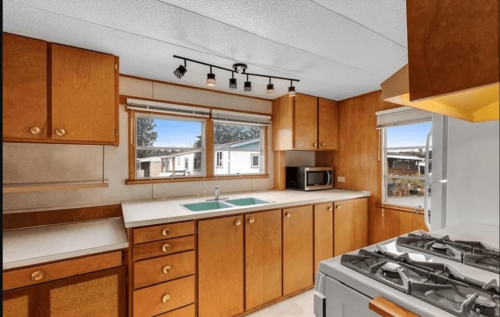 1965 kitchen