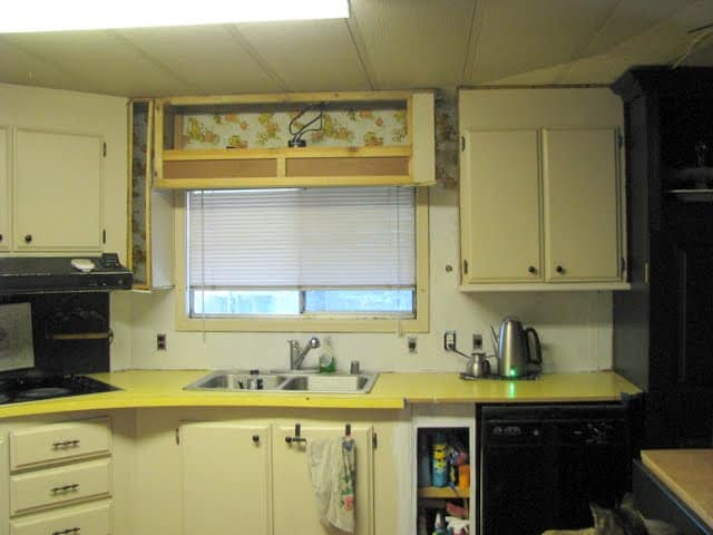 1970s mobile home kitchen before makeover