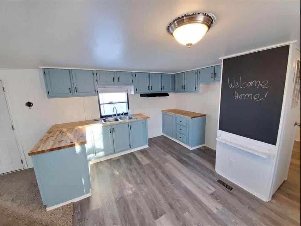 S mobile home kitchen