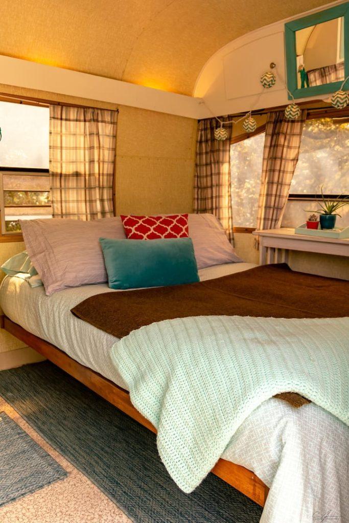 1972 vintage camper bedroom
