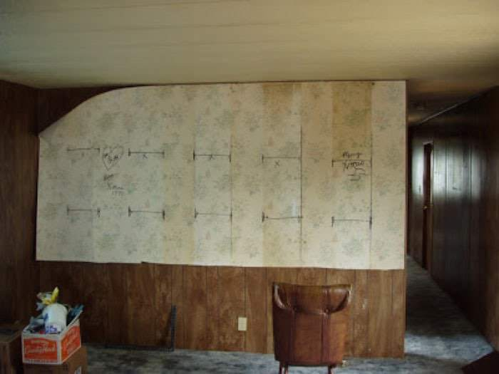 1978 mobile home remodel living room wall before