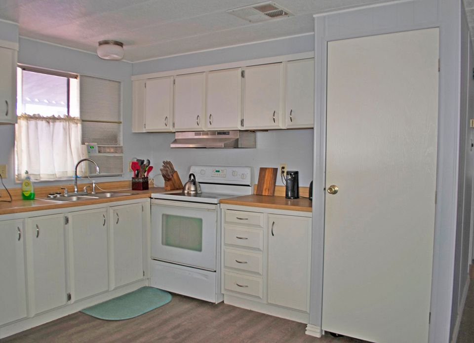 Single wide kitchen