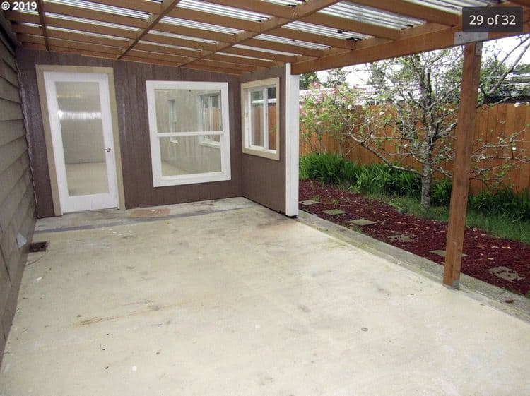 1979 double wide in or with covered pergola