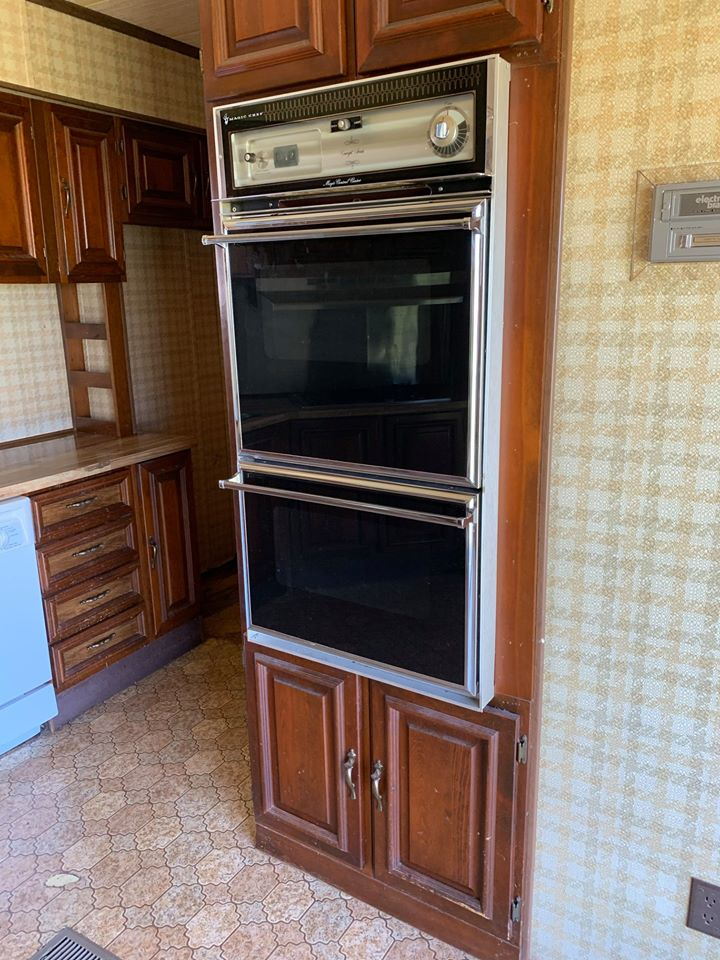 Mobile home oven