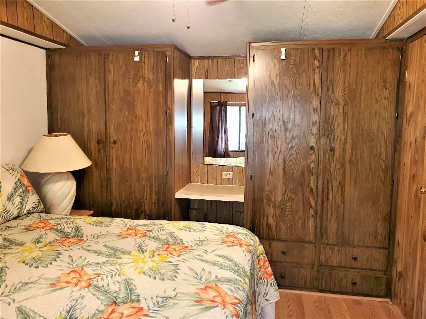 1984 charming single wide bedroom