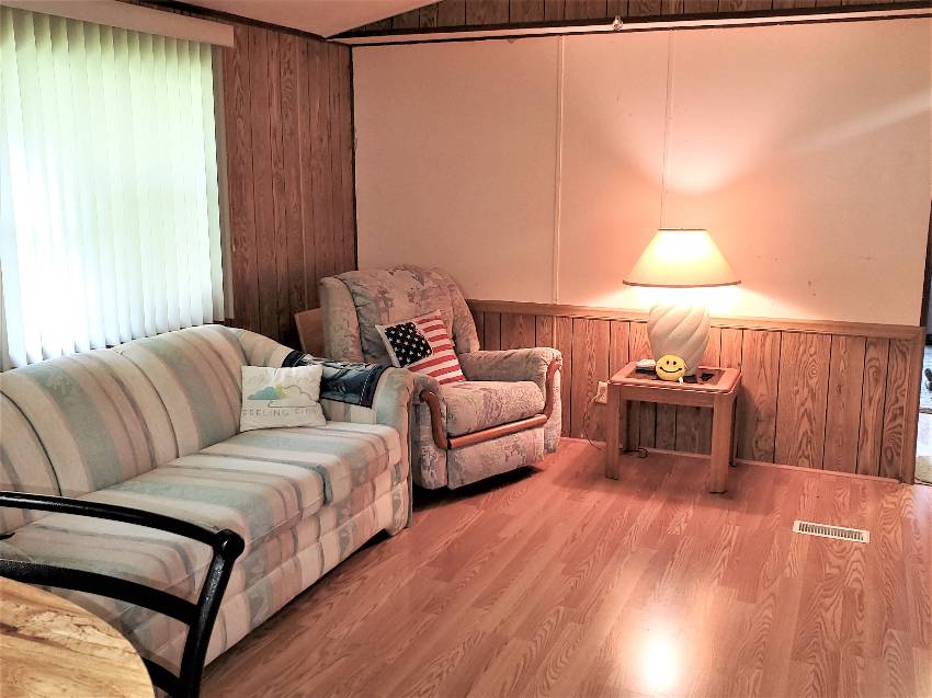 1984 charming single wide living room