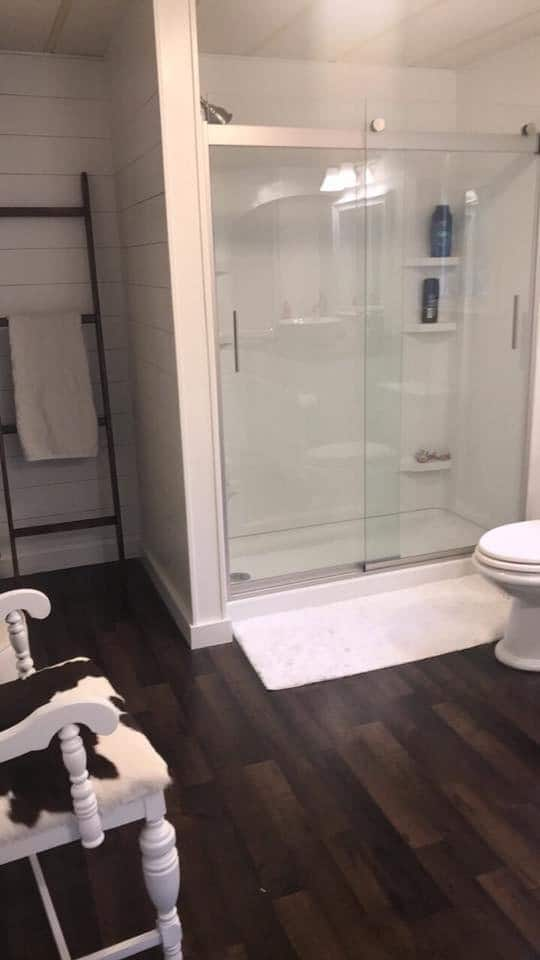 1984 double wide manufactured home remodel - master bathroom