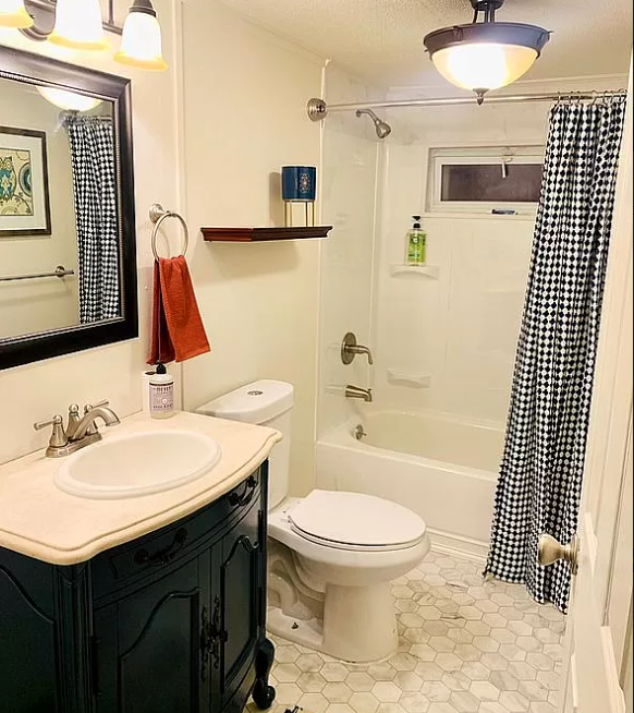 1987 updated single wide bathroom