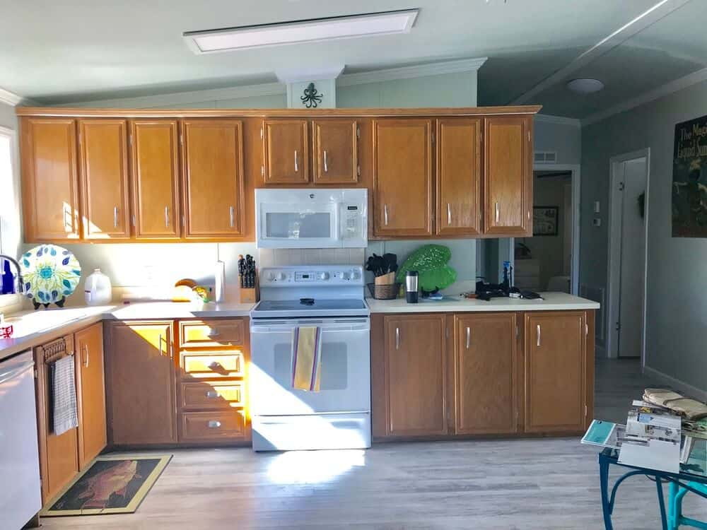 1988 Fuqua Double Wide Manufactured Home Before Remodel In Kitchen