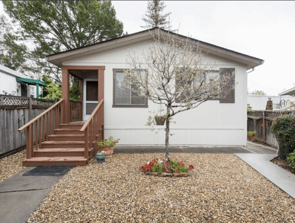 1990 Double Wide 185 Argentina Flag Way Sanoma CA